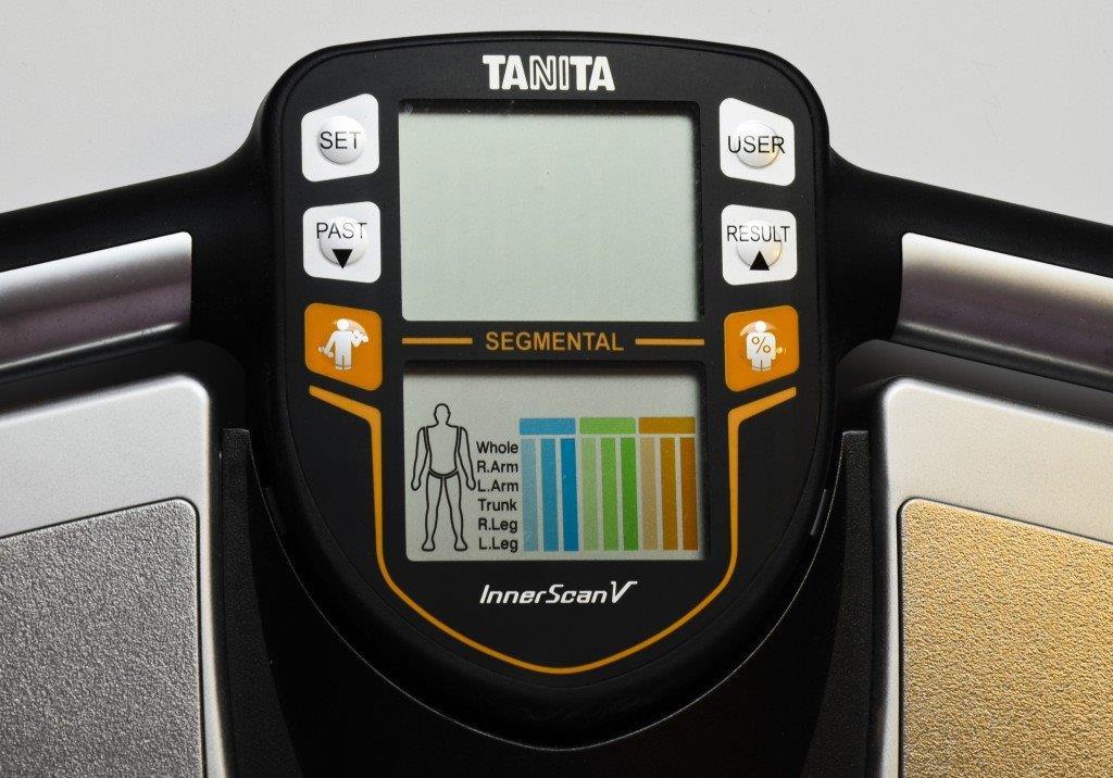 Segmentowy analizator składu ciała. Analiza składu ciała.