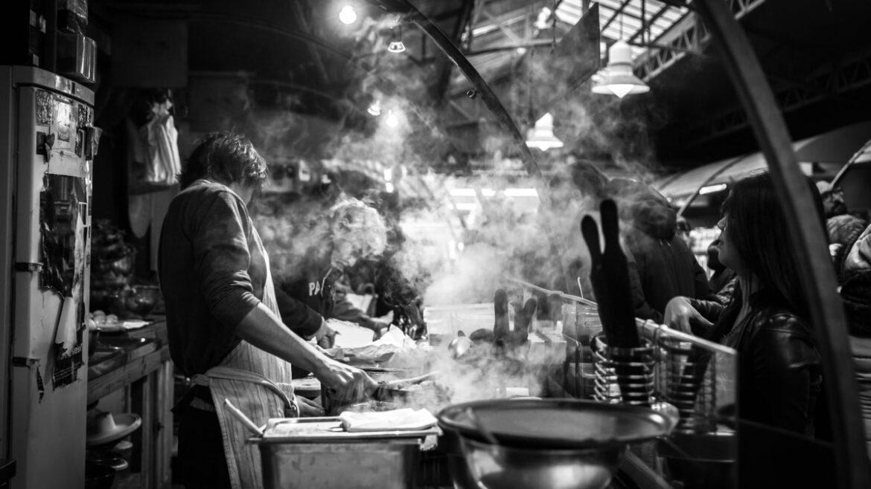 Kucharz w restauracji